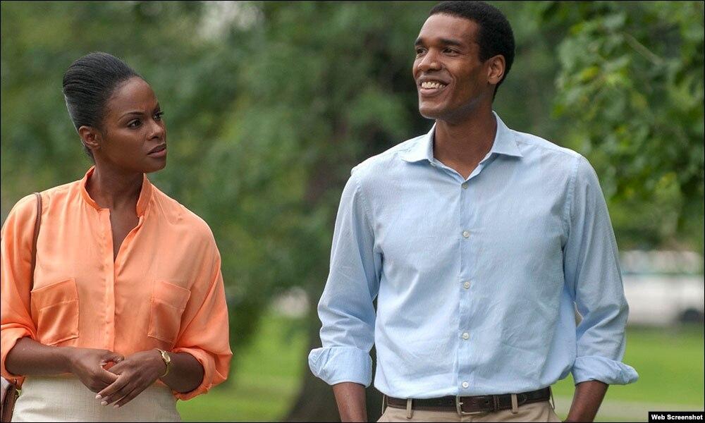 'ساؤتھ سائیڈ ود یو' اوباما اور خاتون اول کے پیار کی کہانی