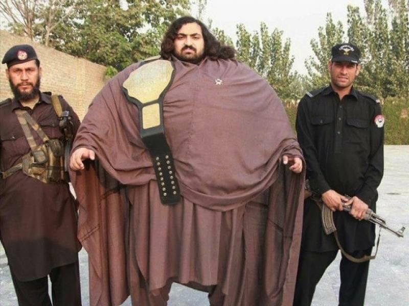 440کلو وزنی پاکستانی پہلوان نے بھارت کے گریٹ کھلی کو چیلنج دے دیا