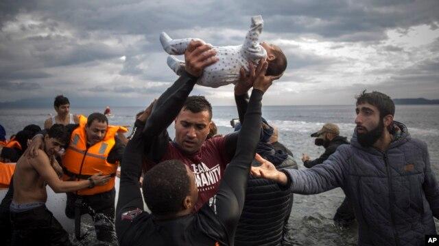 یونان جانے والی دو کشتیاں ڈوب گئیں، چھ بچے ہلاک