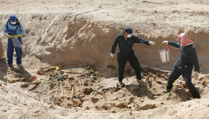 داعش کے ہاتھوں قتل ہونیوالے 73 افراد کی اجتماعی قبر دریافت