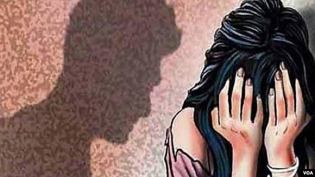 کراچی: طالبہ کو ہراساں کرنے پر اسکول ٹیچر کی گرفتاری، ریمانڈ
