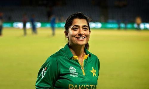 ثنا میر عالمی نمبر ایک بننے والی پہلی پاکستانی باؤلر بن گئیں