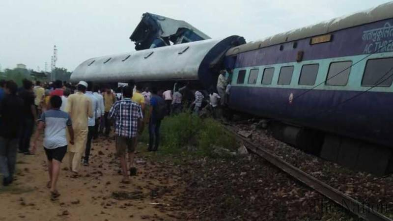 Train derails in India, at least 10 killed, says local official