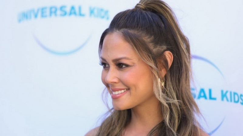 Vanessa Lachey joins the cast of 'Beverly Hills 90210' reboot