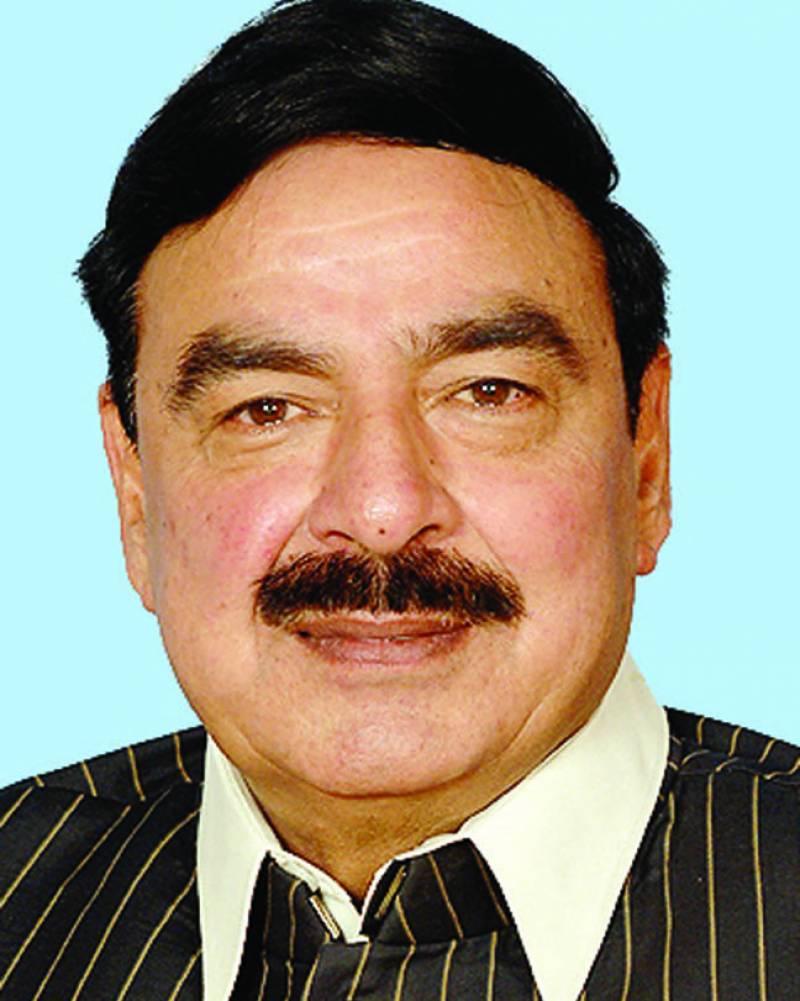 شیخ رشید آج وزیراعظم شاہد خاقان کیخلاف نیب میں درخواست دائر کریں گے