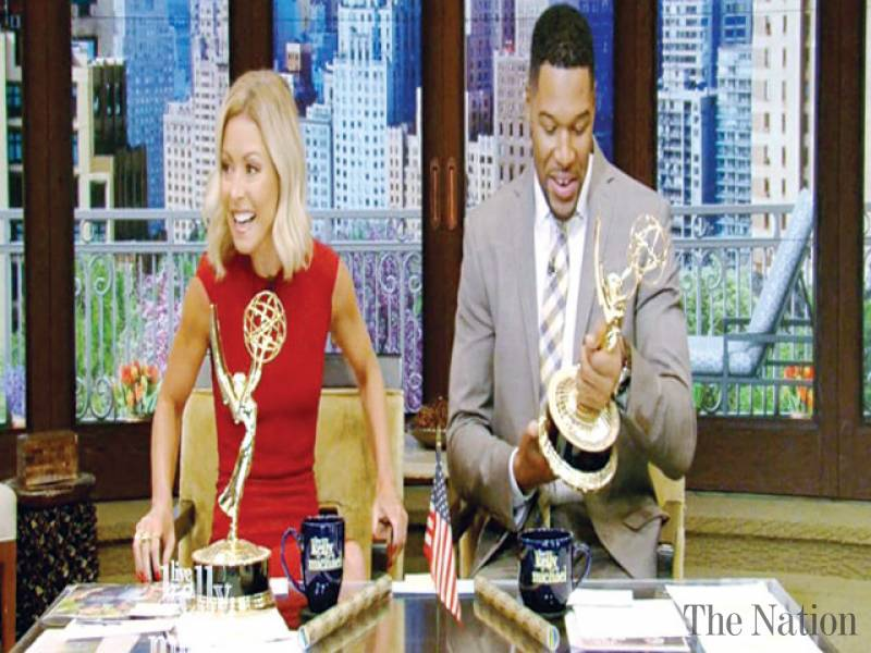 Kelly Ripa, Michael Strahan win Daytime Emmy