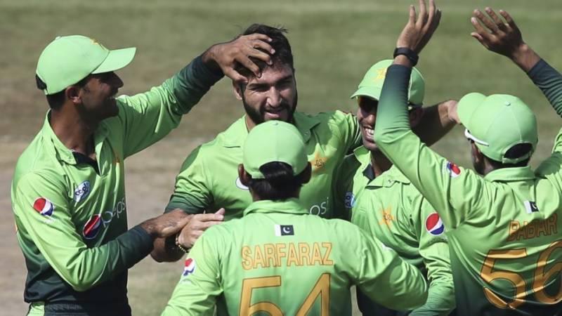 وائٹ واش کیلئے پاکستان کو 104 رنز ہدف مل گیا