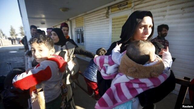 شام کی سرکاری فوجیں ترک سرحد سے 25 کلومیٹر دور