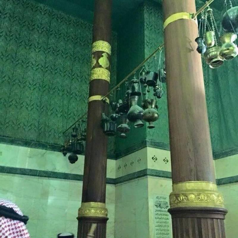 کعبة اللہ کے اندر کیا کیا ہے، قارئین کے لیے دلچسپ رپورٹ
