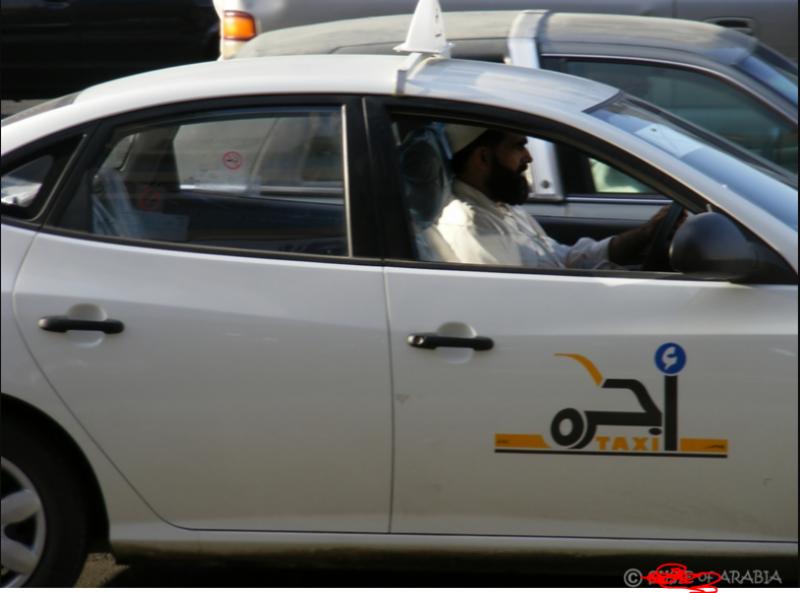 مکہ میں غیر ملکیوں کے ٹیکسی چلانے کی پابندی عائد کر دی گئی