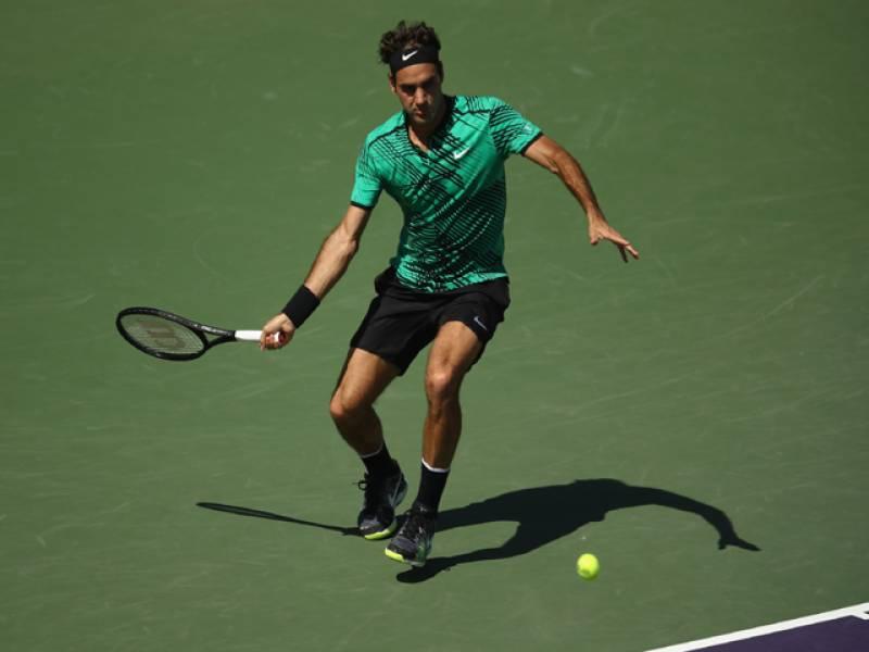 Federer blows past del Potro into Miami fourth round