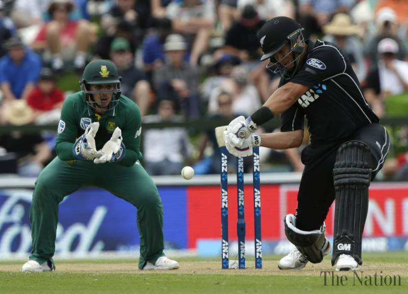 Record Taylor century sees New Zealand to South Africa win