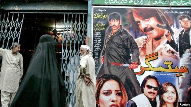 کراچی کے قدیم سنیما ہالز، بچپن اور نوجوانی کی یادوں کا آئینہ