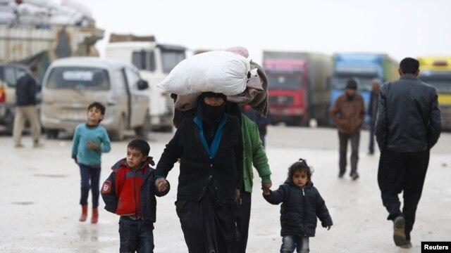 ترکی شامی مہاجرین کی مدد کرے: یورپی یونین