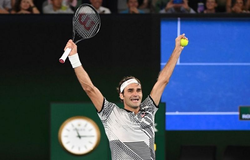 Federer becomes oldest ATP world number one