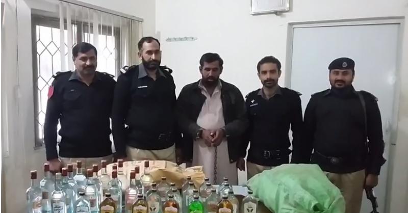 جلالپور بھٹیاں سے بدنام زمانہ منشیات فروش گرفتار