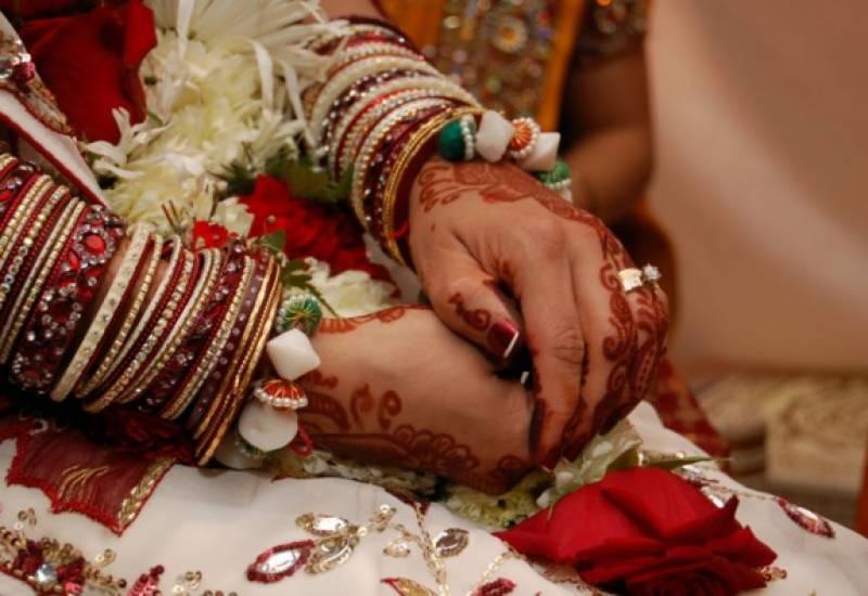 بھارت میں دلہن کی داڑھی آنے پر شوہر نے طلاق دیدی