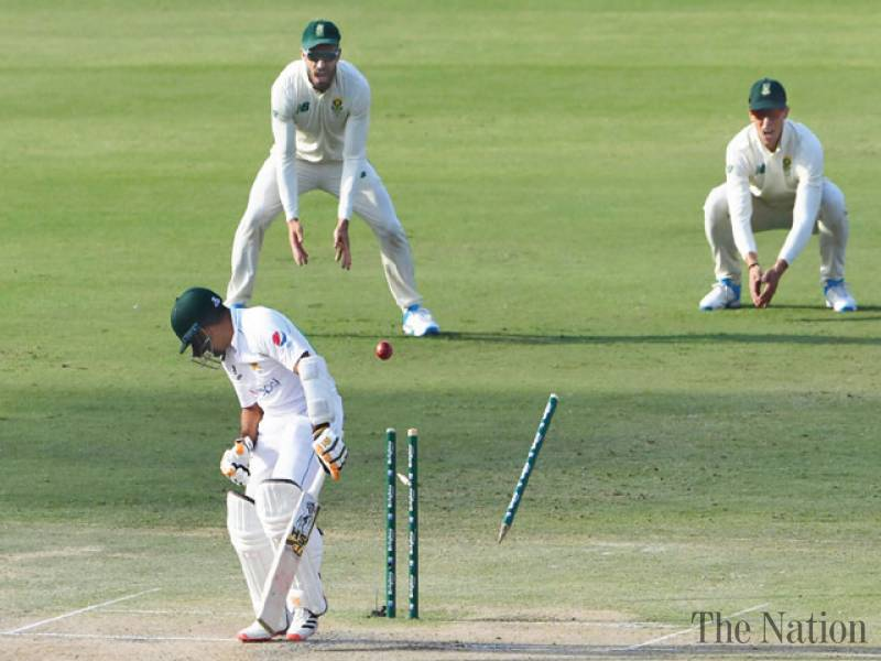 South Africa seize opening day honours after Pakistan slide