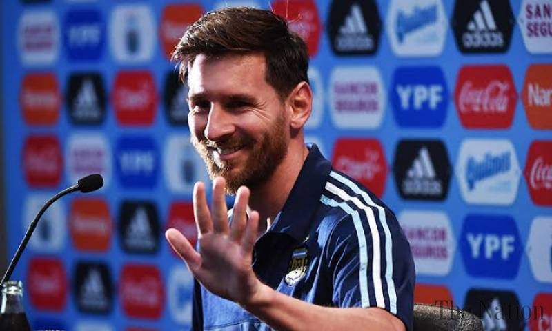 Football star Messi will not train with Barca amid contract extension saga