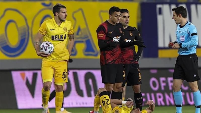 Galatasaray forward Mohamed handed 1-match ban