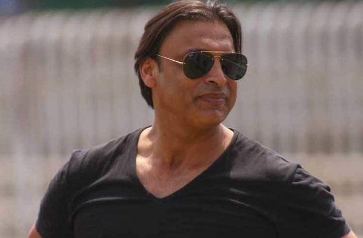 I've more money than Sehwag has hair on his head: Shoaib Akhtar