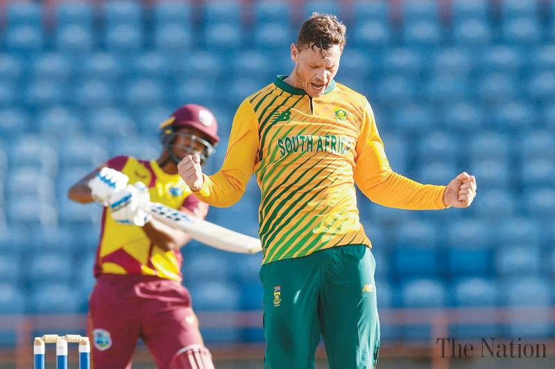 Spinners shine as South Africa level series