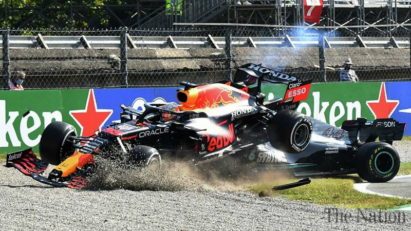 Red Bull boss slams Lewis Hamilton and Mercedes for faking his injuries After Italian GP crash