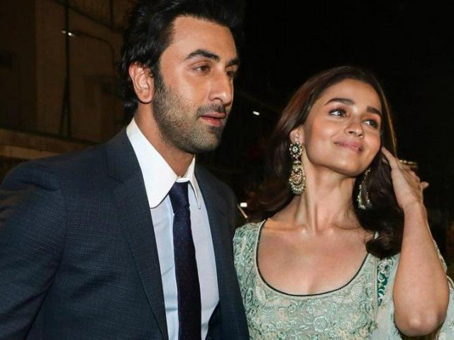 Alia Bhatt Praises Her Boy Friend Ranbir Kapoor As Gem