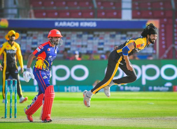 Babar and Nabi steer Karachi to six-wicket victory over Peshawar
